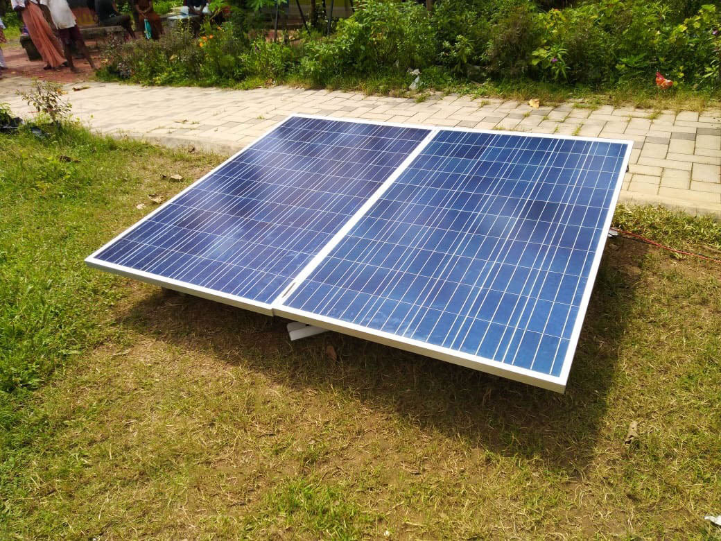 Community Solar Mobile Charging & Emergency Lighting Survival Kit in flood affected area – August – 2018